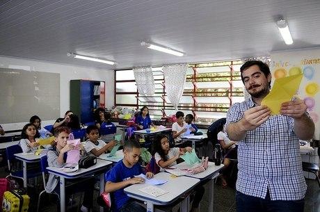 Especialistas temem que escolas passem negas alunos