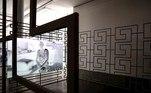"""BRA50. SAO PAULO (BRASIL), 03/09/2021.- Fotografía de una obra de la exposición """" Remote Viewing """" de la artista Sung Tieu ayer, durante la apertura para medios de la 34ª edición de la Bienal de Sao Paulo (Brasil), bajo el título """"Aunque está oscuro, todavía canto"""". Con más de 90 artistas y un millar de obras, la 34ª edición de la Bienal de Sao Paulo abrirá sus puertas este sábado con la misión de """"abrazar la ciudad"""" y arrojar luz pese a la """"oscuridad"""" que ha marcado el mundo en los años de la pandemia. EFE/ Sebastião Moreira"""
