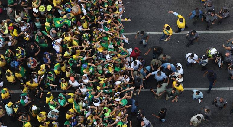 Presidente Jair Bolsonaro foi aclamado por  apoiadores nos atos de 7 de setembro.