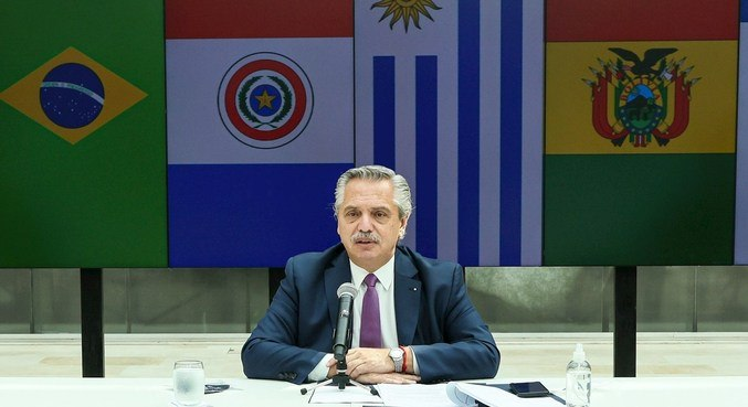 Alberto Fernández aguarda confirmação de teste PCR para diagnóstico de covid