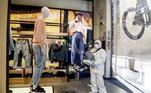 Milan (Italy), 22/04/2020.- A private company employee sanitizes a clothing store in the center of Milan ahead of phase 2 of the gradual reopening of commercial activities during the Coronavirus emergency in Milan, Italy, 22 April 2020. (Abierto, Italia) EFE/EPA/MOURAD BALTI TOUATI