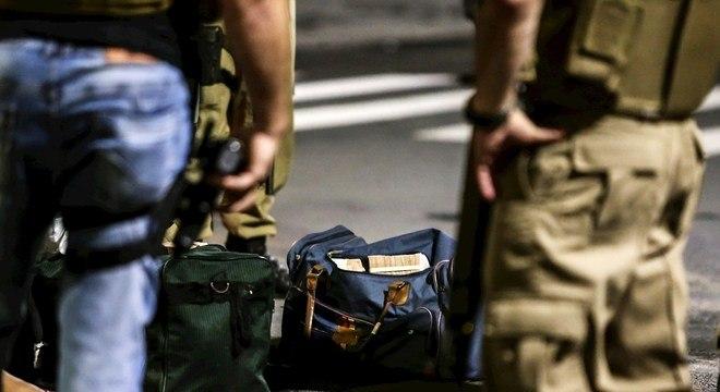 Grupo de 30 homens executam assalto a agência bancária de Criciúma (SC)