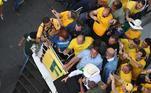 Presidente Jair Bolsonaro sobre carro de som na Avenida Paulista