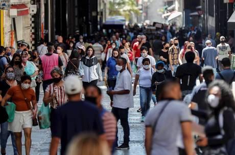 Brasil soma quase 4,3 milhões de curados da covid-19
