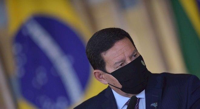 O vice-presidente, Hamilton Mourão, que defende ações para responder a ameaças