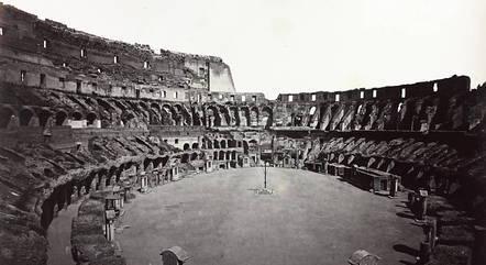 Interior do Coliseu por volta de 1870
