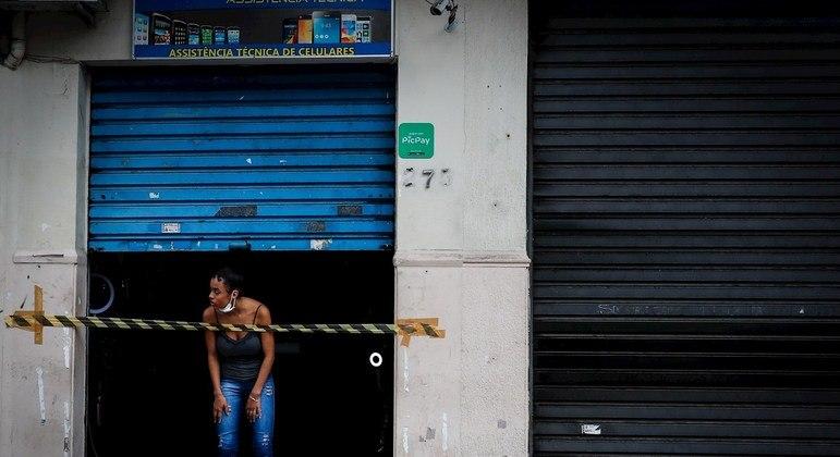 Pelo menos 29 cidades têm restrições severas, 23 falam em lockdown
