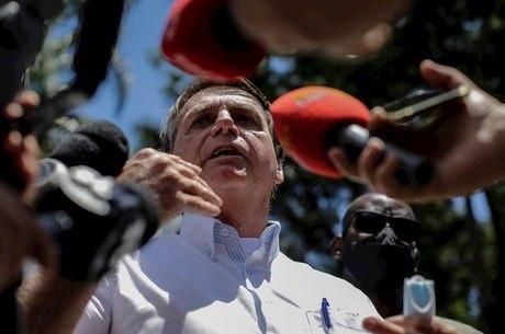'Vacinação será gratuita e voluntária', diz Bolsonaro