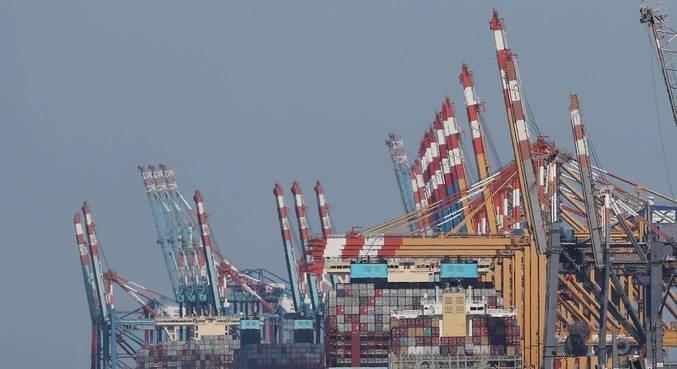 Exportações foram US$ 3,945 bilhões e importações, US$ 3,531 bilhões