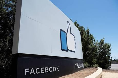 Rede social acessa até 'e-mails e mensagens de texto'