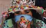 -FOTODELDIA- AME1443. LA PAZ (BOLIVIA), 28/05/2021.- Carla Ávila Palla participa en un acto de inicio de actividades de la fiesta del Gran Poder hoy en La Paz (Bolivia). Los representantes de los conjuntos folklóricos, músicos y bordadores decidieron a principio de mes que la entrada del Gran Poder no se realizará por segundo año consecutivo, ante el ingreso de la tercera ola de la covid-19. La Unesco, en el 2019 declaró a la fiesta de la Santísima Trinidad del Señor Jesús del Gran Poder en la ciudad de La Paz como Patrimonio Cultural Inmaterial de la Humanidad. EFE/Martin Alipaz
