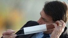 Bolsonaro tira a máscara e manda jornalista calar a boca em SP