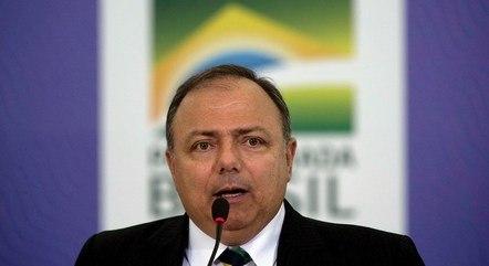 Pazuello se reúne hoje mais de cem prefeitos