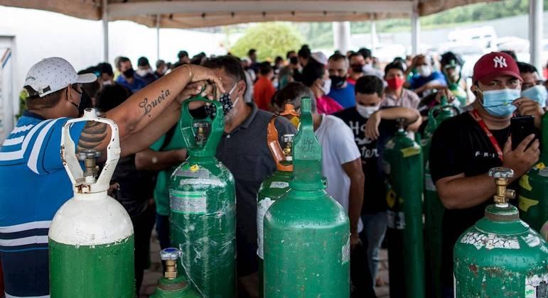 Amazonas volta a ficar no limite do fornecimento de oxigênio para pacientes com covid-19