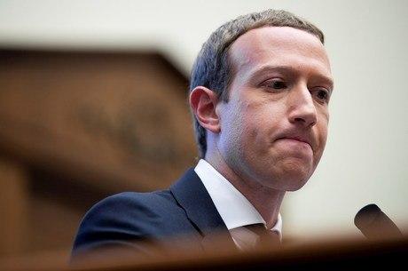 Facebook, de Mark Zuckerberg, monitora usuários