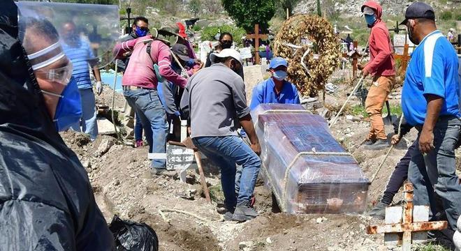 México teve 523 mortes em 24 horas