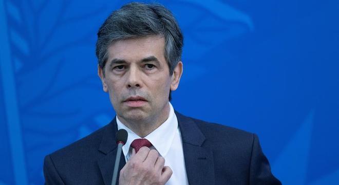 Oposição crítica segunda troca no comando do Ministério da Saúde