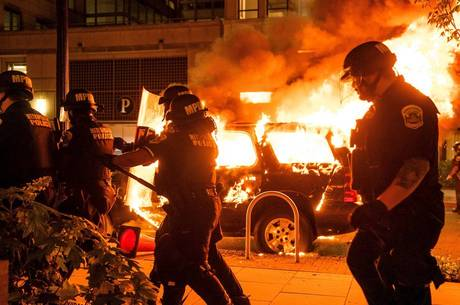 Duas pessoas morrera em protestos nos EUA