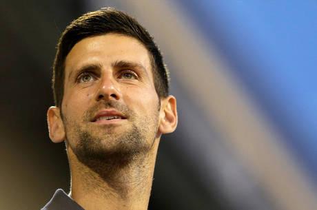 Tenista Novak Djokovic revelou estar curado da covid-19