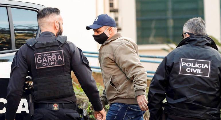 Queiroz estava em prisão domiciliar desde agosto de 2020