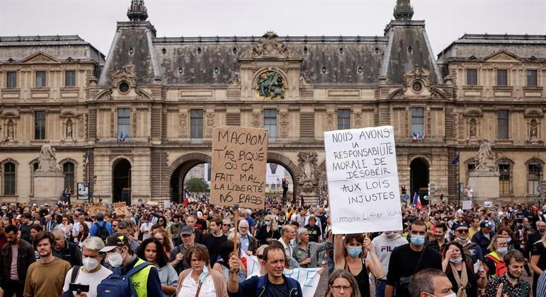 Paris teve bastante aglomeração em diversos pontos da cidade com as manifestações