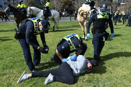 Em Melbourne, 15 pessoas foram detidas nos atos