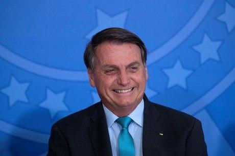 Bolsonaro deve sancionar com Maia e Alcolumbre mudanças na CNH
