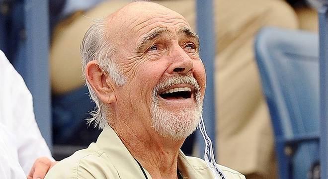 Nesta imagem de 2012, Sean Connery assiste a partida de tênis do US Open