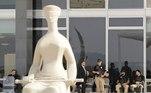 AME2658. BRASILIA (BRASIL), 06/09/2021.- Miembros de seguridad vigilan la entrada principal de la Corte Suprema durante una jornada de manifestaciones hoy, en Brasilia (Brasil). El presidente brasileño, Jair Bolsonaro, y la ultraderecha han convocado para este martes a manifestaciones por la 'libertad', que muchos temen que puedan propiciar el 'golpe' que los conservadores más radicales le exigen al gobernante. EFE/ Joédson Alves