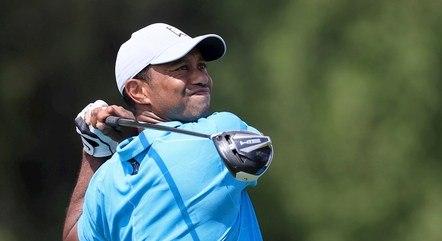 Tiger Woods sofreu acidente grave na terça (23)