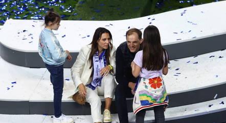 Tuchel comemora título com a família