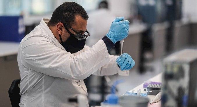 Encontros diários da Anvisa com Fiocruz pretendem acelerar aprovação de vacina