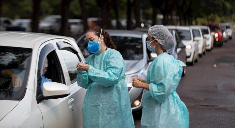 Estádio do Morumbi e Memorial da América Latina começam a vacinar idosos contra covid-19
