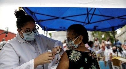 Confira os locais e horários de vacinação em BH