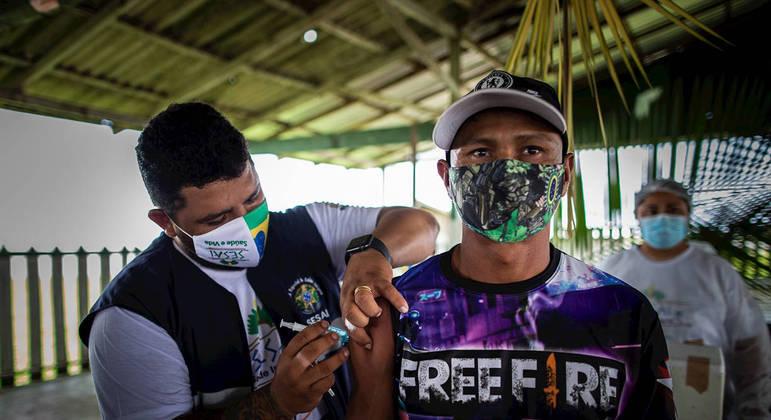 Indígenas do Amazonas começaram a ser vacinados em fevereiro deste ano