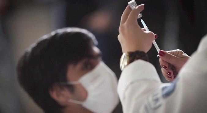 Média de mortes é quatro vezes menor do que no pico da pandemia