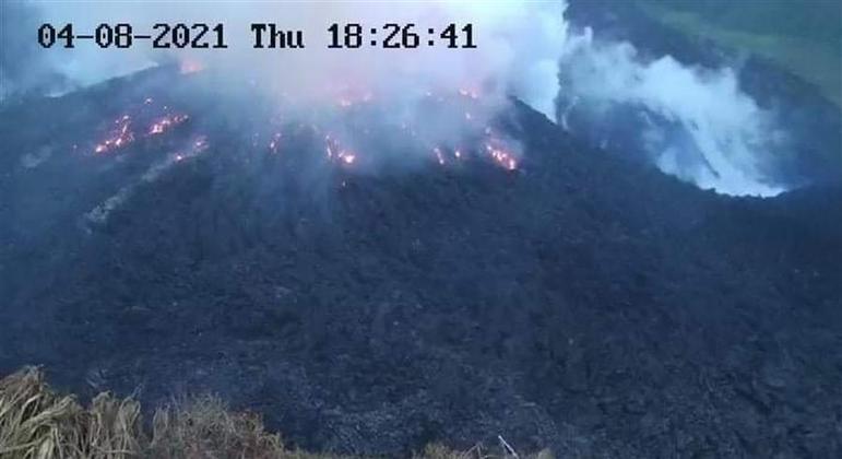 Vulcão localizado nas ilhas caribenha São Vicente e Granadinas corre risco de erupção