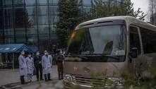 Missão da OMS faz nova inspeção em hospital de Wuhan, na China