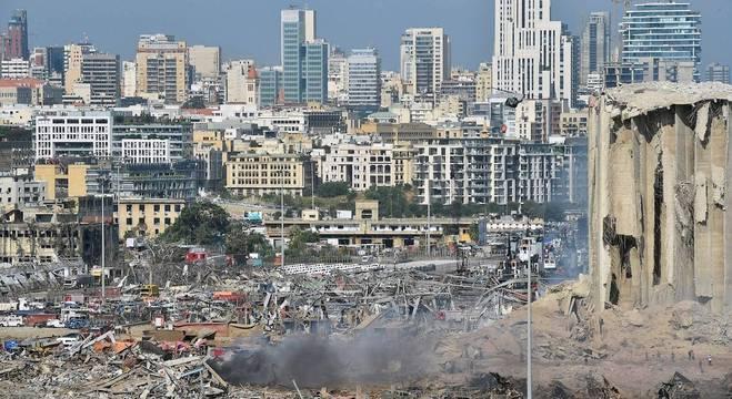 Zona portuária de Beirute foi o epicentro da explosão que ocorreu nesta terça