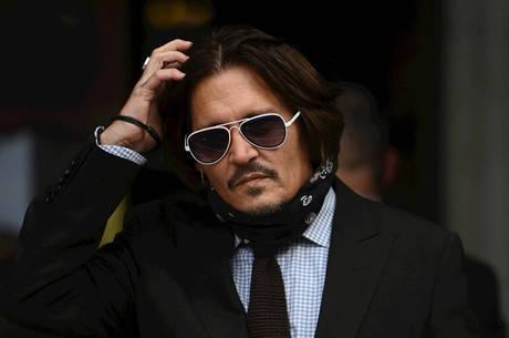 Johnny Depp está processando o jornal The Sun