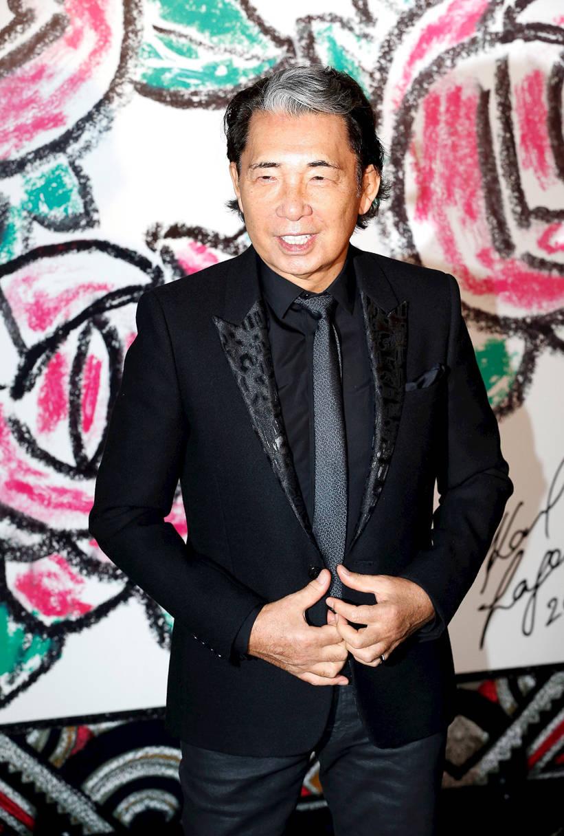 O estilista Kenzo Takada faleceu de covid-19 neste domingo (4)