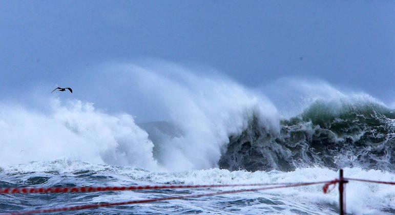 Tsunamis não são comuns no Oceano Atlântico