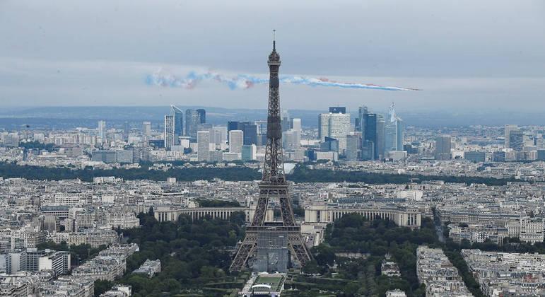 Governo da França prometeu sanções contra militares