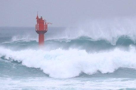 Tufão Haishen atinge sul do Japão