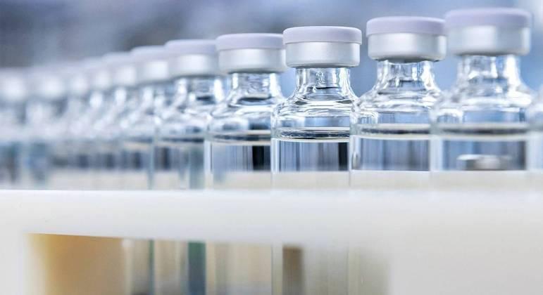 Vacina em desenvolvimento pela Sanofi é aplicada em duas doses