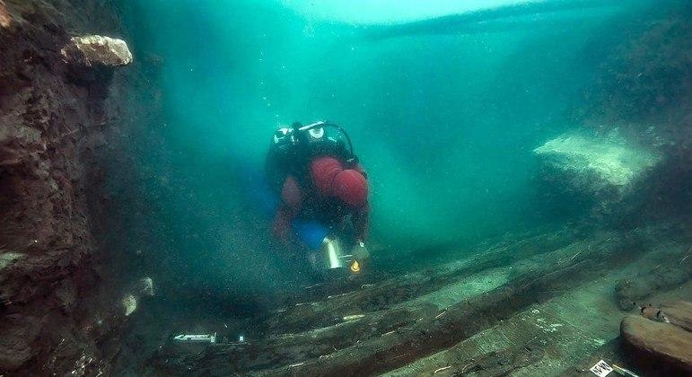 Escavação submarina descobriu vestígios na antiga cidade submersa de Heracleion