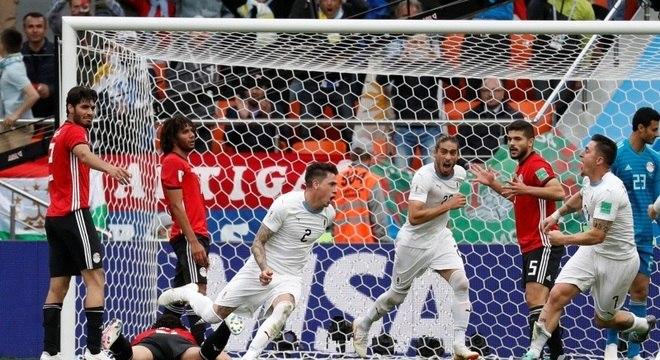 Gimenez fez o gol do Uruguai na estreia da Copa da Rússia