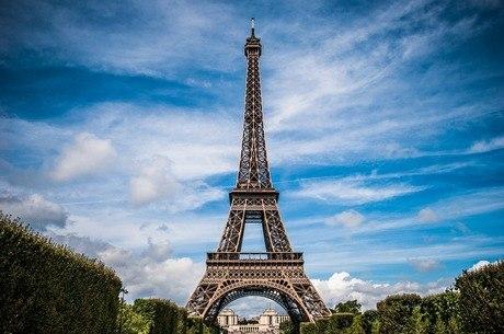 França comemora 130 anos da Torre Eiffel com música, jogos e teatro -  Notícias - R7 Internacional