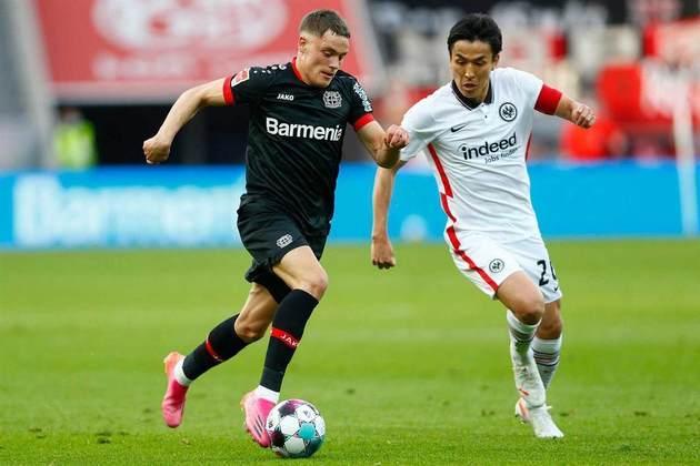 Eintracht Frankfurt e Bayer Leverkusen também já estão definidos na Liga Europa. A briga por vaga na Conference League, porém, segue em aberto. Neste momento, o Union Berlin, em sétimo, briga com Borussia Mönchengladbach, Stuttgart e Freiburg.