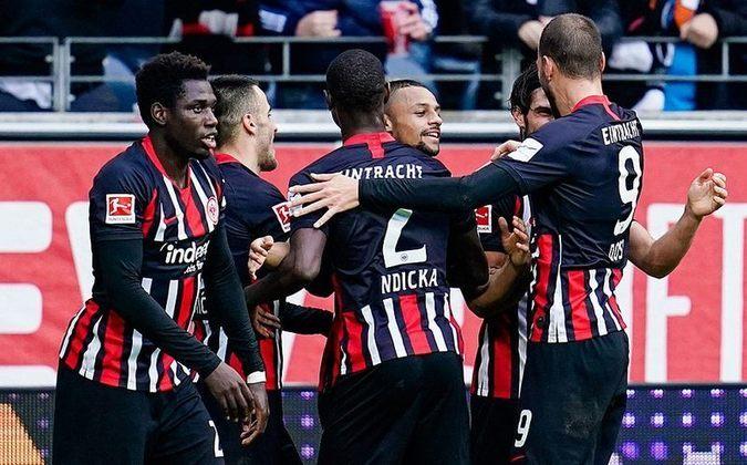 Eintracht Frankfurt - Pontos: 28 / Jogos: 24/ Vitórias: 8/ Empates: 4 / Derrotas:  12/ Gols: 38